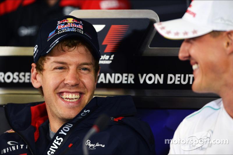 Sebastian Vettel, Red Bull Racing met Michael Schumacher, Mercedes AMG F1 in de FIA persconferentie