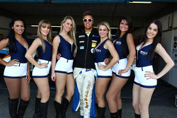 Pepe Oriola, SEAT Leon WTCC, Tuenti Racing Team with Grid Girls