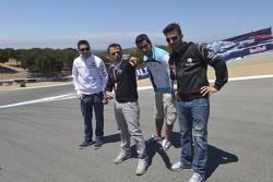 Loris Capirossi proporciona punteros a Michele Pirro, Honda Gresini y amigos