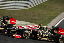 Kimi Raikkonen, Lotus Renault F1 Team y Romain Grosjean, Lotus Renault F1 Team