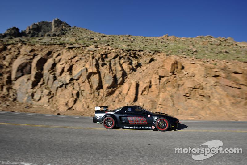 #902 Acura NSX: James Robinson