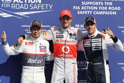 Polepositie Jenson Button, McLaren Mercedes met 2de Kamui Kobayashi, Sauber F1 Team en 3de Pastor Maldonado, Williams F1 Team