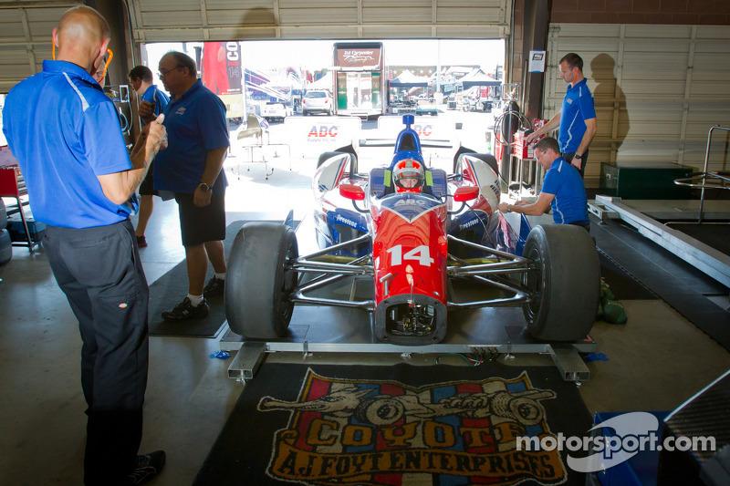 Wade Cunningham past zitje, A.J. Foyt Racing Honda