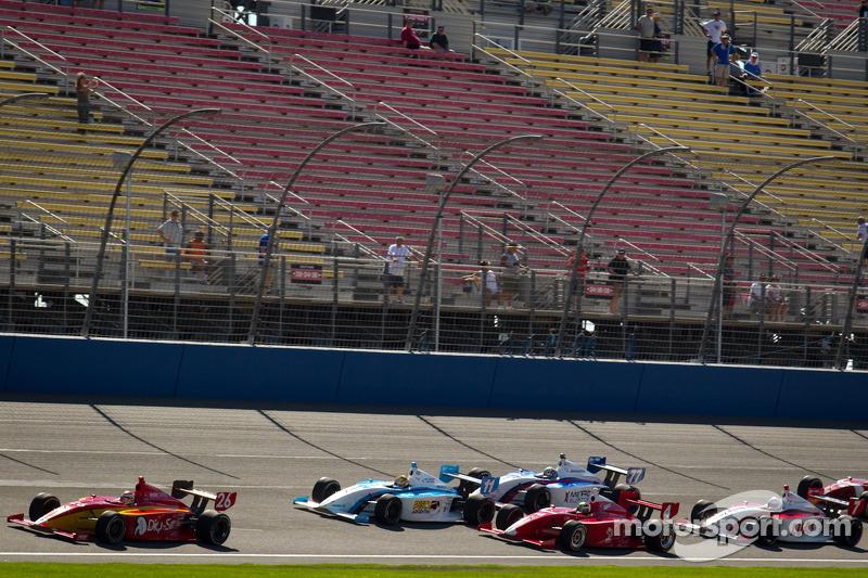 Carlos Munoz, Andretti Autosport leads the field