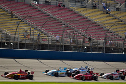 Carlos Munoz, Andretti Autosport leads the field