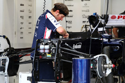 Williams worked on by a mechanic