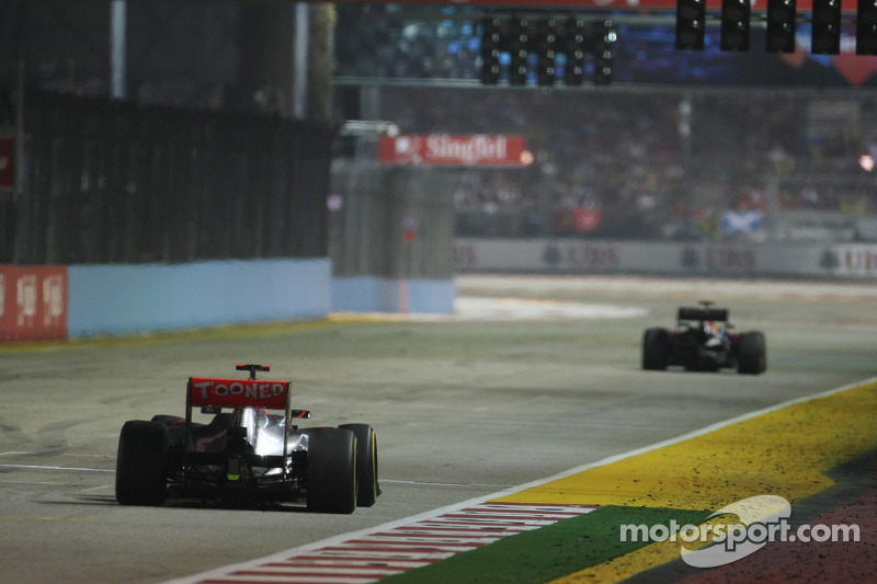 Sebastian Vettel, Red Bull Racing voor Jenson Button, McLaren