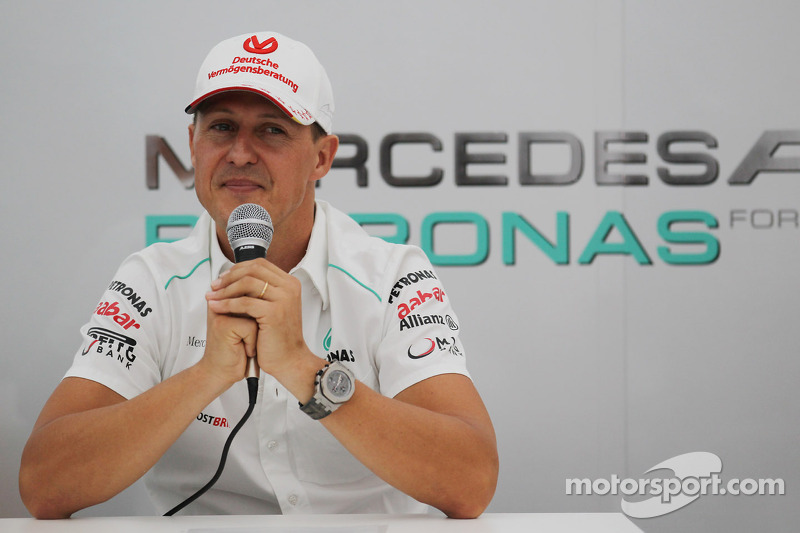 Michael Schumacher, Mercedes AMG F1 announces his second retirement from F1 in a Press Conference
