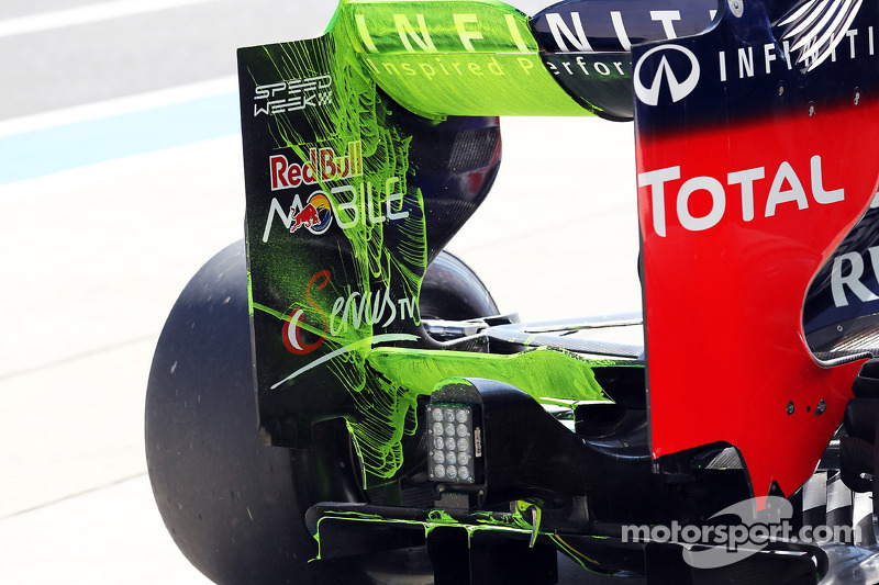 Flow-vis paint on the Red Bull Racing RB8 rear wing