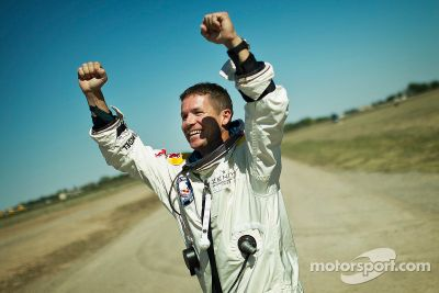 Red Bull Stratos record-breaking skydive