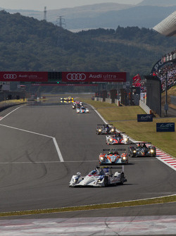 LMP2 battle early