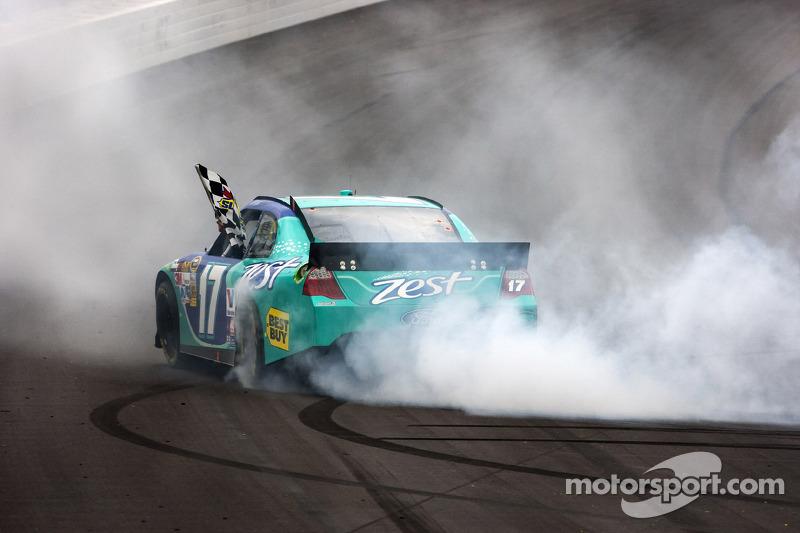 Race winner Matt Kenseth, Roush Fenway Racing Ford
