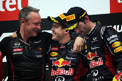 Podium: Sebastian Vettel, Red Bull Racing, winnaar; Mark Webber, Red Bull Racing, 3de