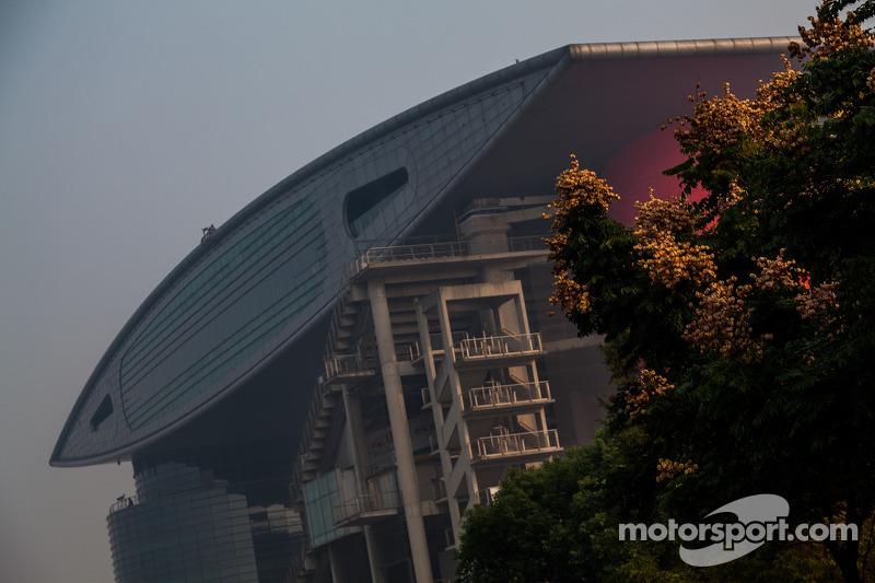 Shanghai circuit Sunday morning