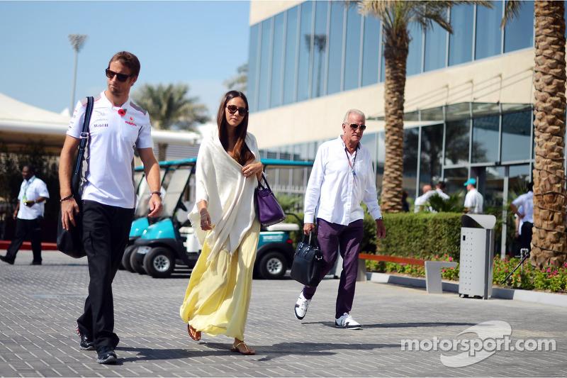 Jenson Button, McLaren with girlfriend Jessica Michibata, and father John Button