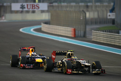 Romain Grosjean, Lotus F1 Team and Sebastian Vettel, Red Bull Racing