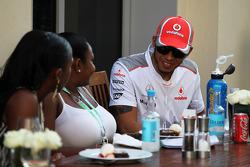 Lewis Hamilton, McLaren met gasten
