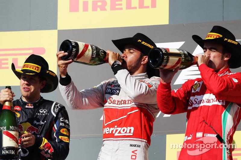 Фернандо Алонсо, Льюис Хэмилтон и Себастьян Феттель. ГП США, Воскресенье, после гонки.