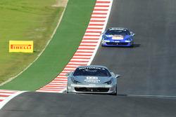 #777 Ferrari Quebec 458: Emmanuel Anassis leads