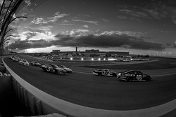 Jimmie Johnson, Hendrick Motorsports Chevrolet, Matt Kenseth, Roush Fenway Racing Ford