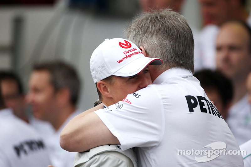 Michael Schumacher, Mercedes GP, und Ross Brawn, Mercedes GP, Teamchef