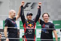 Sebastian Vettel, Red Bull Racing celebra título mundial com sua equipe