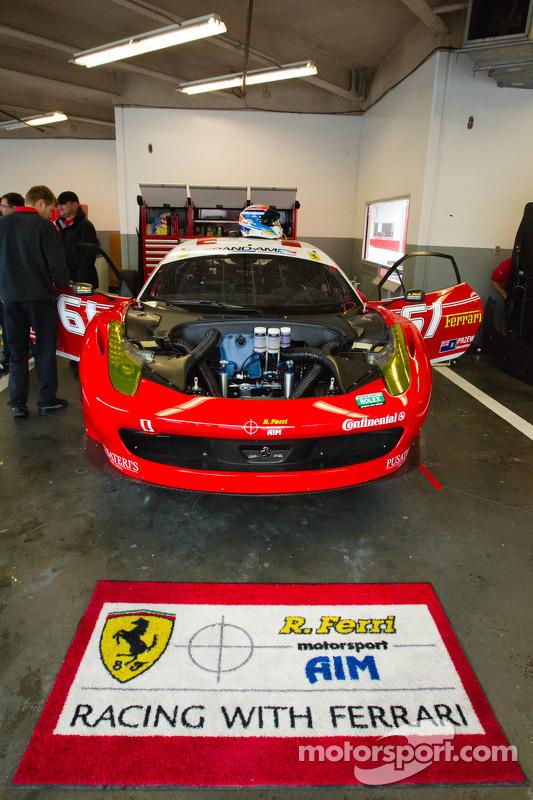 #61 R.Ferri/AIM Motorsport Racing com Ferrari Ferrari 458
