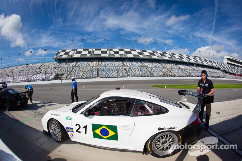 #21 Dener Motorsport Porsche GT3: Flavio Figueiredo, Ricardo Mauricio, Rubens Barrichello, Tony Kanaan