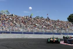 Lucas di Grassi, ABT Schaeffler Audi Sport leads Daniel Abt, ABT Schaeffler Audi Sport
