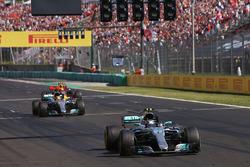 Valtteri Bottas, Mercedes AMG F1 W08, Lewis Hamilton, Mercedes AMG F1 W08 and Max Verstappen, Red Bull Racing RB13