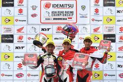 Podium Race 1 AP250: Rheza Danica, Gerry Salim dan Andi Gilang, Astra Honda Racing Team