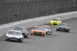 Landon Cassill, Front Row Motorsports Ford, Brett Moffitt, BK Racing Toyota, Daniel Suárez, Joe Gibbs Racing Toyota