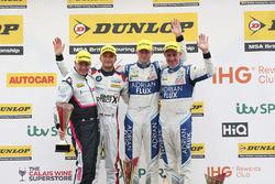 Podyum: Yarış galibi  Jason Plato, Team BMR Subaru Levorg, 2. Ashley Sutton, Team BMR Subaru Levorg, 3. Colin Turkington, West Surrey Racing BMW 125i M Sport
