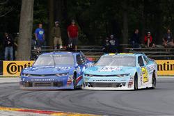 Daniel Hemric, Richard Childress Racing Chevrolet y Elliott Sadler, JR Motorsports Chevrolet