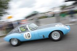 1962 Jaguar E-type FHC , Alex Kapadia - Ross Warburton