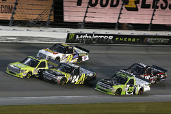 Grant Enfinger, ThorSport Racing Toyota, Justin Haley, GMS Racing Chevrolet Y Regan Smith, Ricky Benton Racing Ford