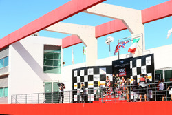Winnaars Jonathan Rea, Kawasaki Racing, Chaz Davies, Ducati Team, Marco Melandri, Ducati Team