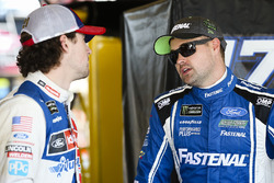 Ricky Stenhouse Jr., Roush Fenway Racing Ford and Ryan Blaney, Wood Brothers Racing Ford