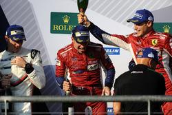 LMGTE Pro podium: winnaars James Calado, Alessandro Pier Guidi, AF Corse
