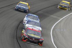 Эрик Джонс, Furniture Row Racing Toyota и Ти Диллон, Germain Racing Chevrolet