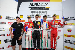 Подиум: 1. Артём Петров, Van Amersfoort Racing, 2. Маркус Армстронг, Prema Powerteam, 3. Юри Випс, Prema Powerteam, Мик Висхофер, Lechner Racing