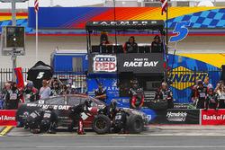 Кейси Кейн, Hendrick Motorsports Chevrolet на пит-стопе