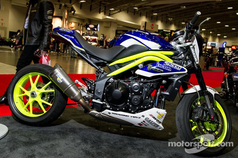 "Nick ""Apex"" Brochas's Triumph Speed Triple Drift Bike at International Motorcycle Show"