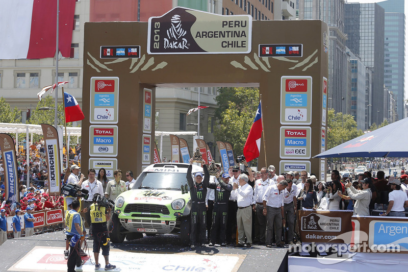 Auto-klassement: winnaar Stéphane Peterhansel en Jean-Paul Cottret