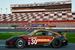 #30 MOMO/NGT Motorsport Porsche GT3