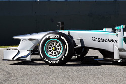 Mercedes AMG F1 W04 front of car detail