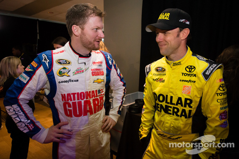 Dale Earnhardt Jr, Hendrick Motorsports Chevrolet en Matt Kenseth, Joe Gibbs Racing Toyota