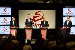 Coletiva da Sports Car Series: American Le Mans Series Presidente e CEO Scott Atherton, GRAND-AM Presidente e CEO Ed Bennett, SME marcação Ed OHara