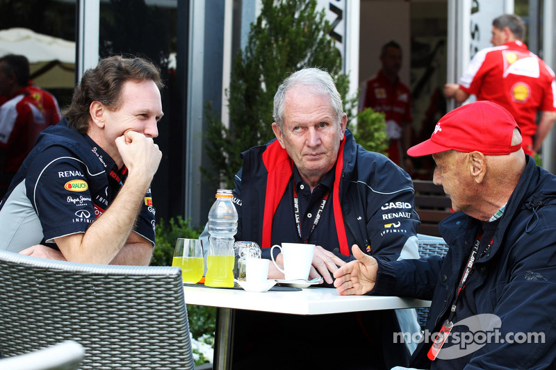 Christian Horner, Teambaas Red Bull Racing met Dr Helmut Marko, Red Bull Motorsport Consultant en Niki Lauda, Mercedes Non-Executive Chairman