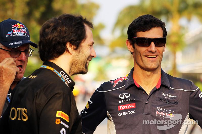 Alan Webber, met Ciaron Pilbeam, Lotus F1 Team Chief Race Engineer en Mark Webber, Red Bull Racing